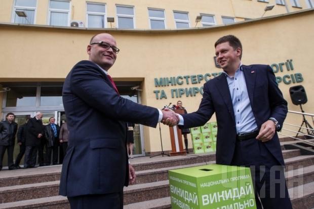 1392393900-9414-oleg-proskuryakov-ministr-ekologii-batareyki